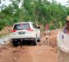 Ribuan Warga Tak Dapat Melintas, Jalan Muara Kuang-Baturaja Putus
