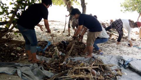 HMTA FT Lakukan Kegiatan Back To Nature 2017