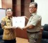Bupati Terima Langsung Persub RT RW, Ketua DPRD  Siap Bahas Di Pansus