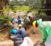 PT Medco E & P Lakukan Pembersihan Rembesan Minyak di Desa Suka Maju