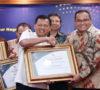 Dodi Reza Alex Terima Penghargaan Unit Pelayanan Publik Terbaik