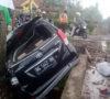 Avanza Dihantam Babaranjang, 2 Penumpang Luring