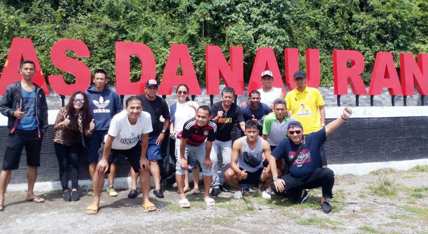 Pemain Timnas All Star Wisata Ke Danau Ranau