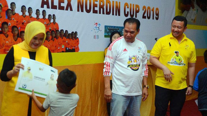 1.260 Anak Usia Dini Terima Sertifikat Alex Noerdin Cup 2019
