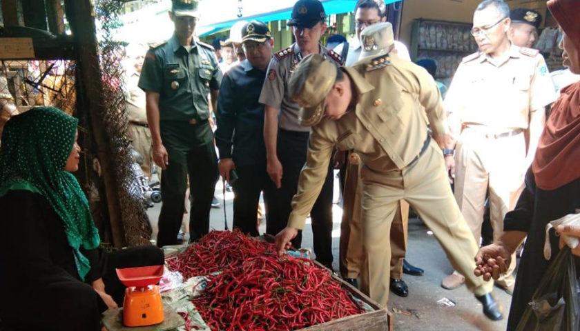Bupati dan Wakil Bupati Sidak Pasar Tradisional dan Lematang