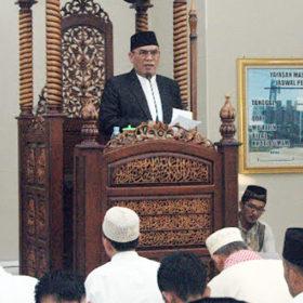 Bupati dan Wakil Bupati Muaraenim Sholat Idul Fitri di Masjid Agung