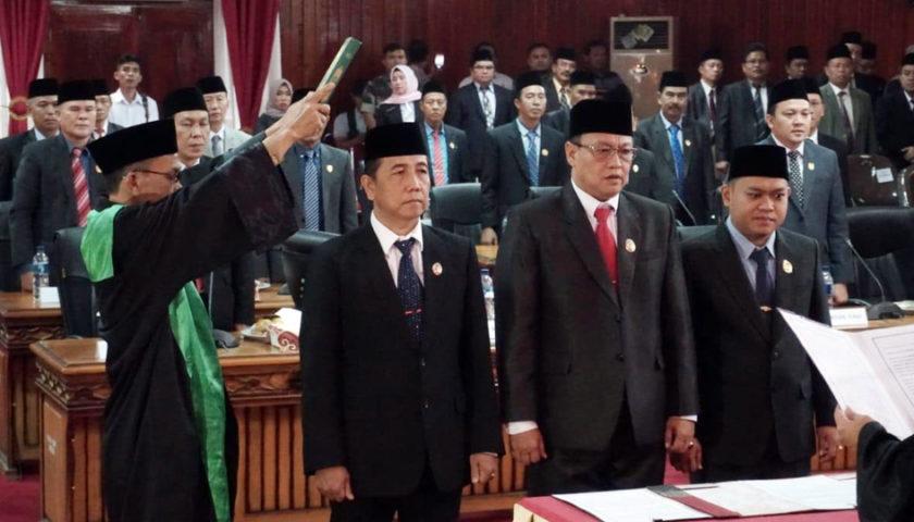 Ketua dan Wakil Ketua DPRD Bengkulu Periode 2019-2024 Resmi Dilantik