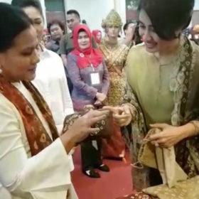 Iriana Jokowi Kagumi Gambo Muba