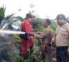 Tim Karhutbunlah Muba bersinergi Padamkan Api Muara Medak Bayung Lencir