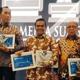 Bupati Muba Raih Penghargaan The Best Leader of Health Care dan The Best of Technology Program