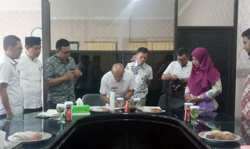 Bupati Teken Perjanjian Kerjasama dengan PT PLN Bengkulu