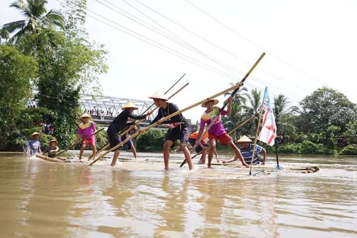 Ikuti Lomba Rally Rakit dan Pameran Bonsai HUT Bengkulu Selatan