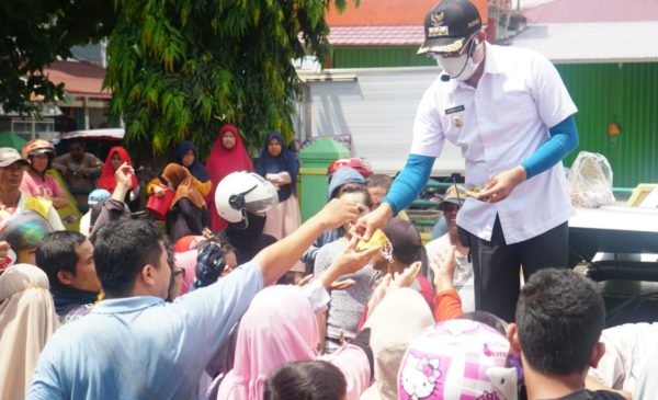 Asrama Jadi Kamar Isolasi, Bagikan Masker dan Sosialisasi Keliling