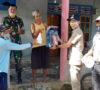 Masyarakat Desa Kembang Ayun Terima Galon Air Lengkap Bersama Isi Disinfektan