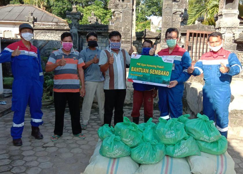 PHE Ogan Komering dan SKK Migas Perwakilan Sumbasel Bagikan Sembako Untuk Masyarakat Ring 1 Wilayah Operasi Perusahaan