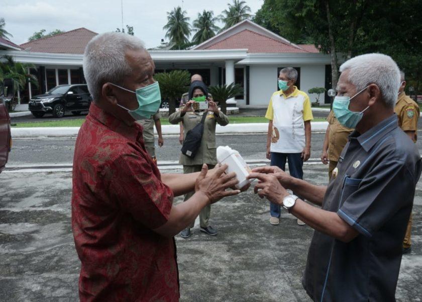 Bupati Terima bantuan APD dari Masyarakat Tionghoa