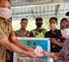 Terima BLTDD, 70 KK Warga Desa Tanjung Besar Datangi Kantor Kades