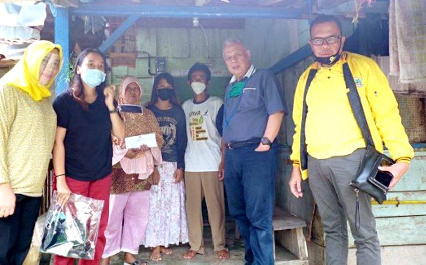 Anak Penggali Kubur Covid 19 di Prabumulih yang Belum Terima Gaji, Kembali Lanjutkan Sekolah Setelah Terima Bantuan dari Alex Noerdin