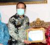 Bupati Lahat Terima Piagam Penghargaan dari BKKBN