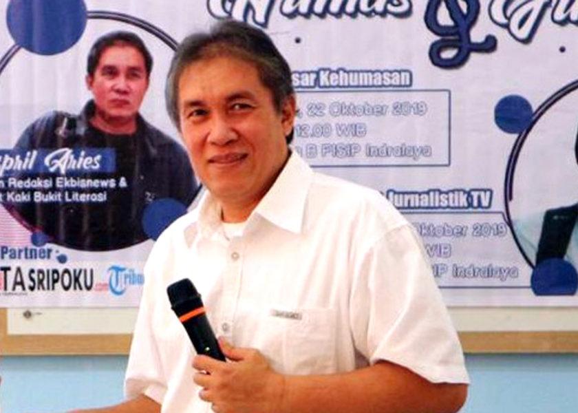 """Penggiat Literasi Maspril Aries Juara Menulis """"Dukung Geopark Suoh"""""""