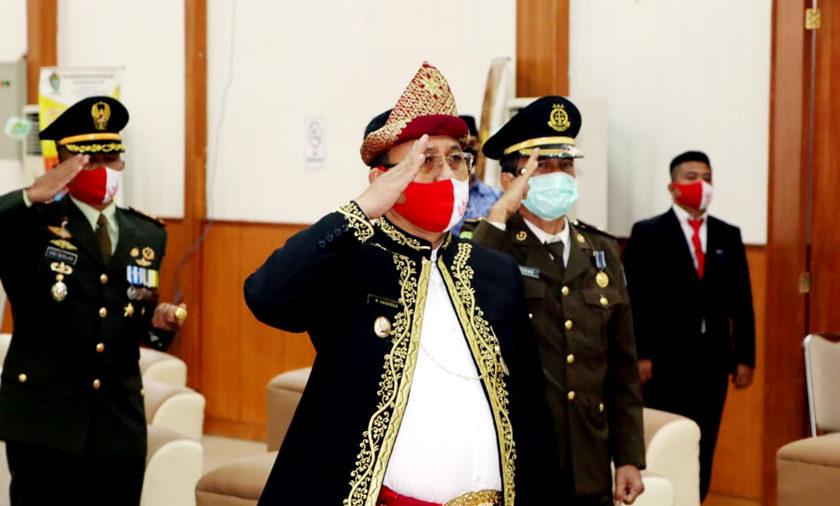 Plt Bupati Ikuti Upacara Penurunan Bendera Secara Langsung Dari Istana Negara Melalui Vitual