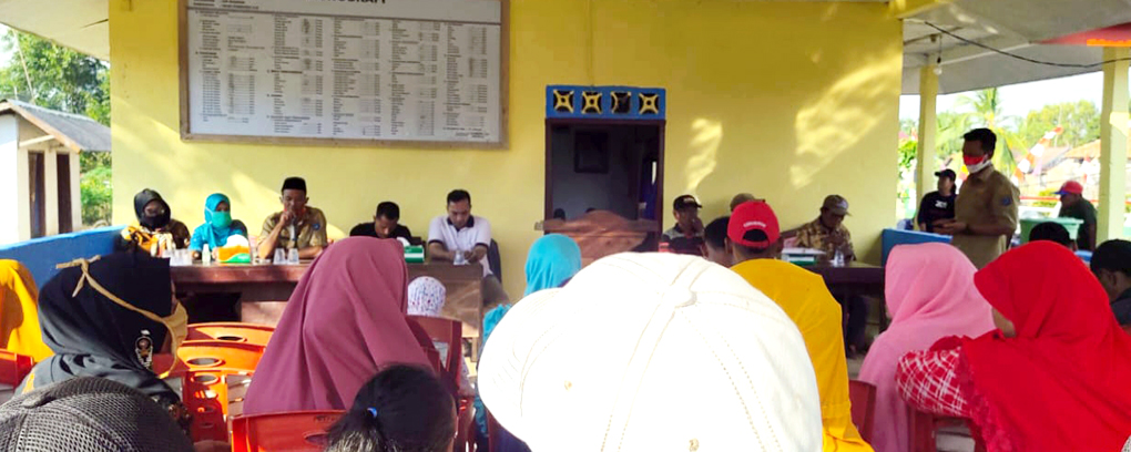 Pendamping masyarakat air sugihan Desa Tirta Mulya, Dusun Toga Tepung Sari. Dedy Irawan Ketua GSI Sumsel (Garda Sriwijaya Indonesia) saat mendampingi warga di desa Tepungsari.