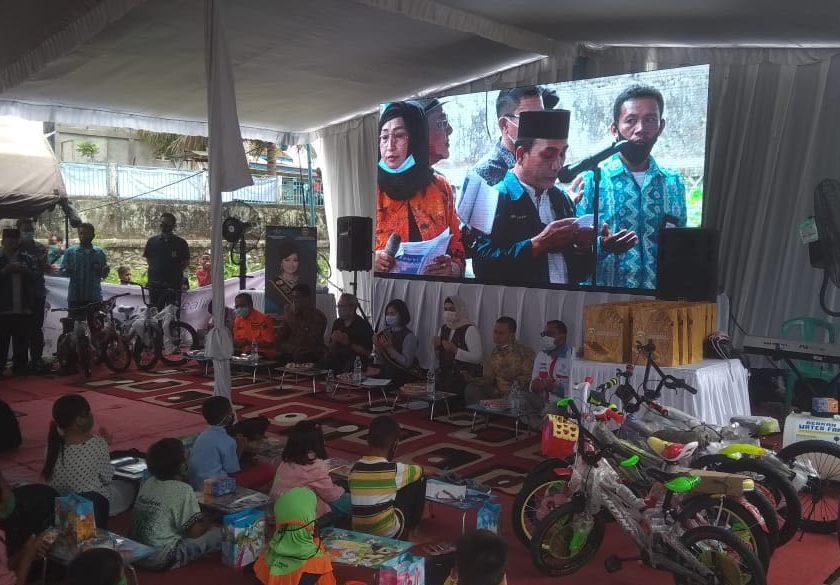 Duta Literasi Sumsel Kunjungi Anak-Anak Korban Kebakaran