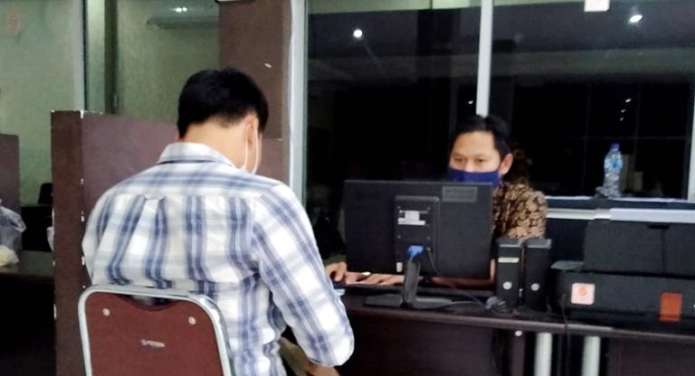Diduga Dianiaya Perangkat Desa, Relawan Ratna-Suwarti Lapor Polisi