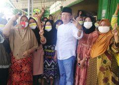 Masyarakat pendukung calon Gubernur Bengkulu Rohidin.