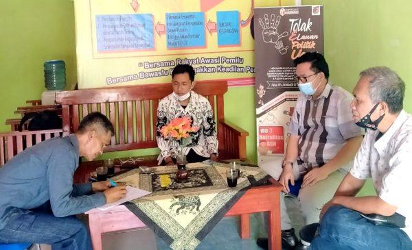 Tidak Netral, Oknum Perangkat Desa Dilaporkan ke Panwascam