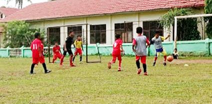 SSB mulai Latihan sepak bola.