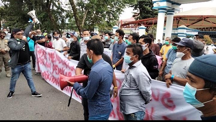 Aksi damai Massa GMPPPKL