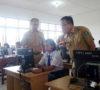 Hari Pertama, Bupati Muaraenim Tinjau UNBK SMP