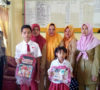 Bripka Pardono Bantu Tas Sekolah Buat Dua Siswa SD Kurang Mampu