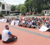 Lahan Direbut PT R6B, Ratusan Massa Datangi Kantor Pemkab