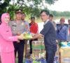 Polres Muba dan Bhayangkari Sanga Desa Beri Bantuan Korban Banjir
