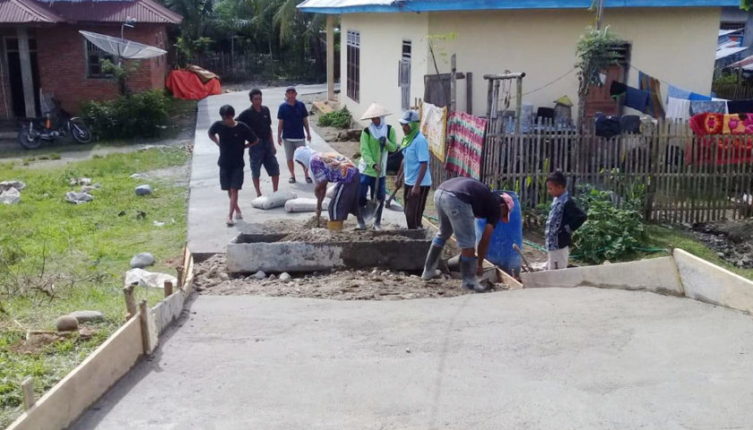 Pembangunan Jalan di Desa Padang Siring Capai 80 Persen