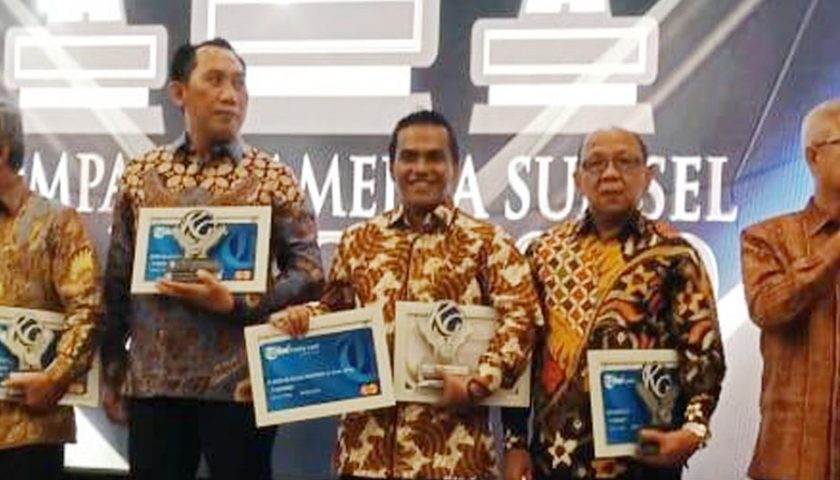 Bupati Muba Raih Penghargaan The Best Leader of Health Care dan The Best of Technology Program