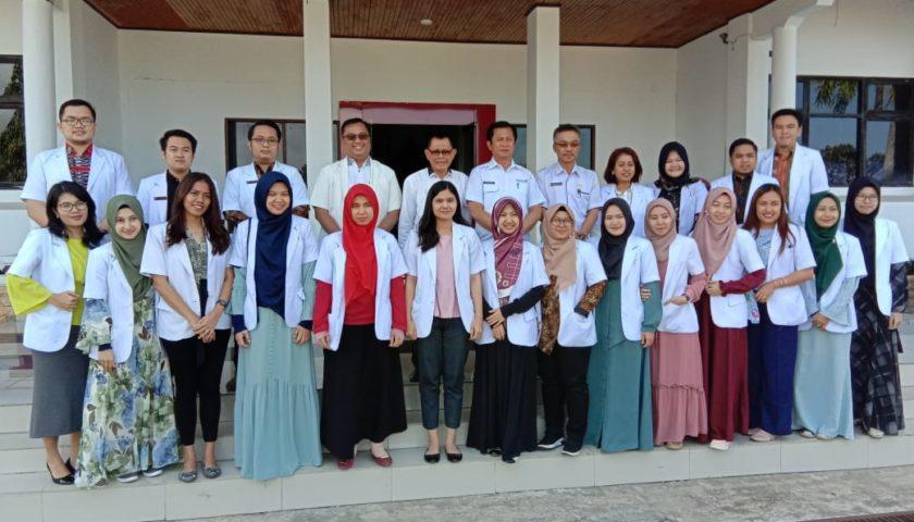Sekda Bengkulu Selatan Lepas 21 Dokter Internship