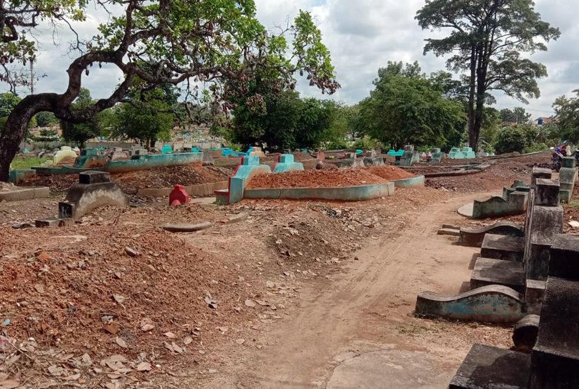 Camat Sukarami Perketat Kuburan Cina