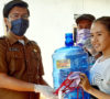 Usai Bagikan Peralatan APT, Ini Imbauan Pj Kades Tanjung Raman