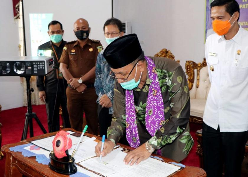 Plt Bupati Tandatangani Kesepakatan Bangun Jalan Tembus Semende-Bengkulu