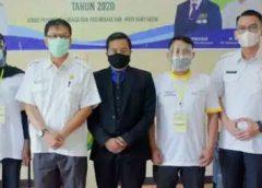 Pose bersama Plt Kepala Dinas Pemuda dan Olahraga.